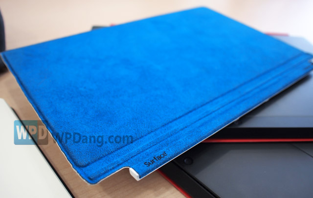 surface_touchcover_blue