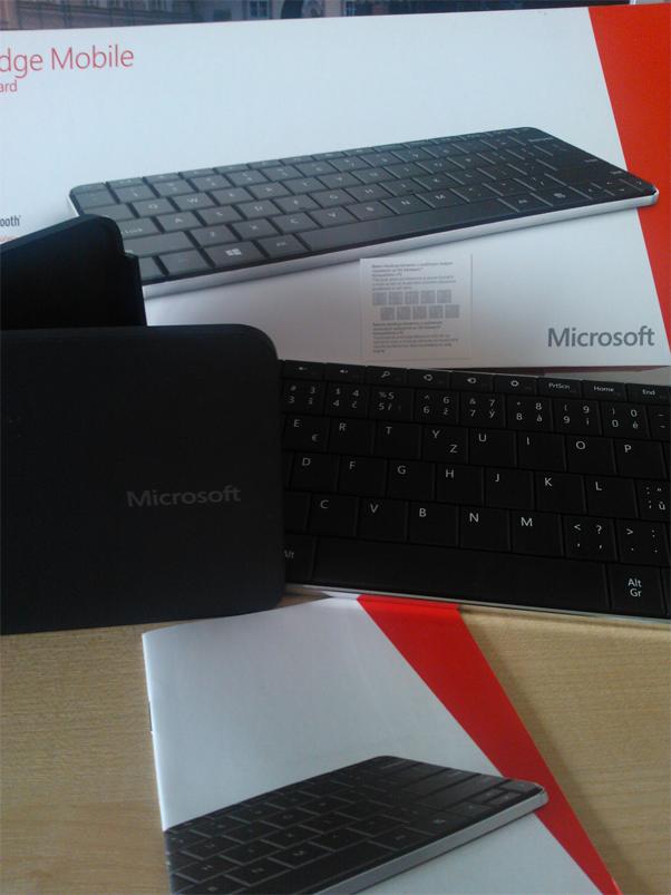 Клавиатура и мышь Microsoft Wedge