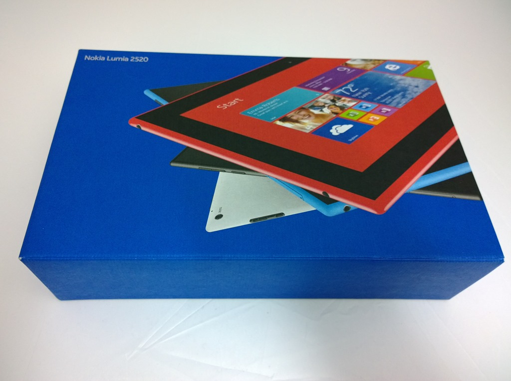 Nokia-Lumia-2520-unboxing-and-hands-on